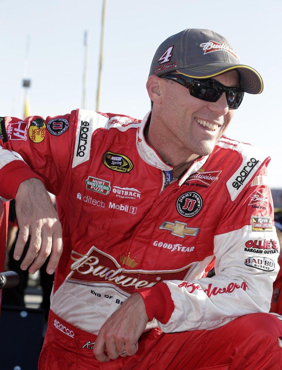 Your 2014 #NASCAR Champion wears a BOWTIE! Congrats, @KevinHarvick, #HarvickNation, & #ChevyNation! http://t.co/li6ouLL8xx