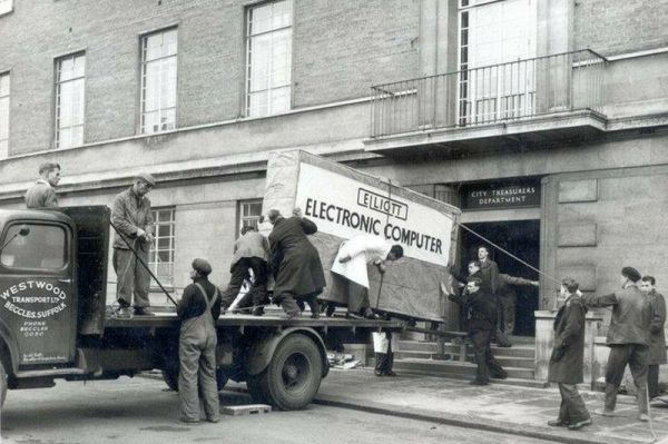 Having your computer delivered in the 1950s http://t.co/5YGdpaHHr5