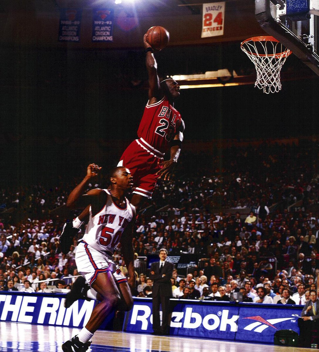 Jordan actually missed that dunk. RT @Tri_Offense: #MJMondays Sorry @GregAnthony50. Must see this one a lot, huh? http://t.co/PCwNVpJd9y