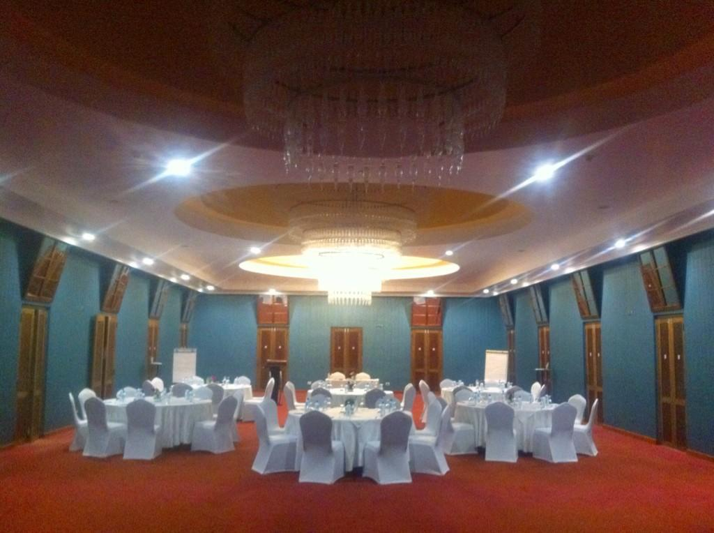 Room is all ready for the #tbcasia workshop this evening. Anyone keen to get married while we're at it? :) http://t.co/ij7eqQeTAx