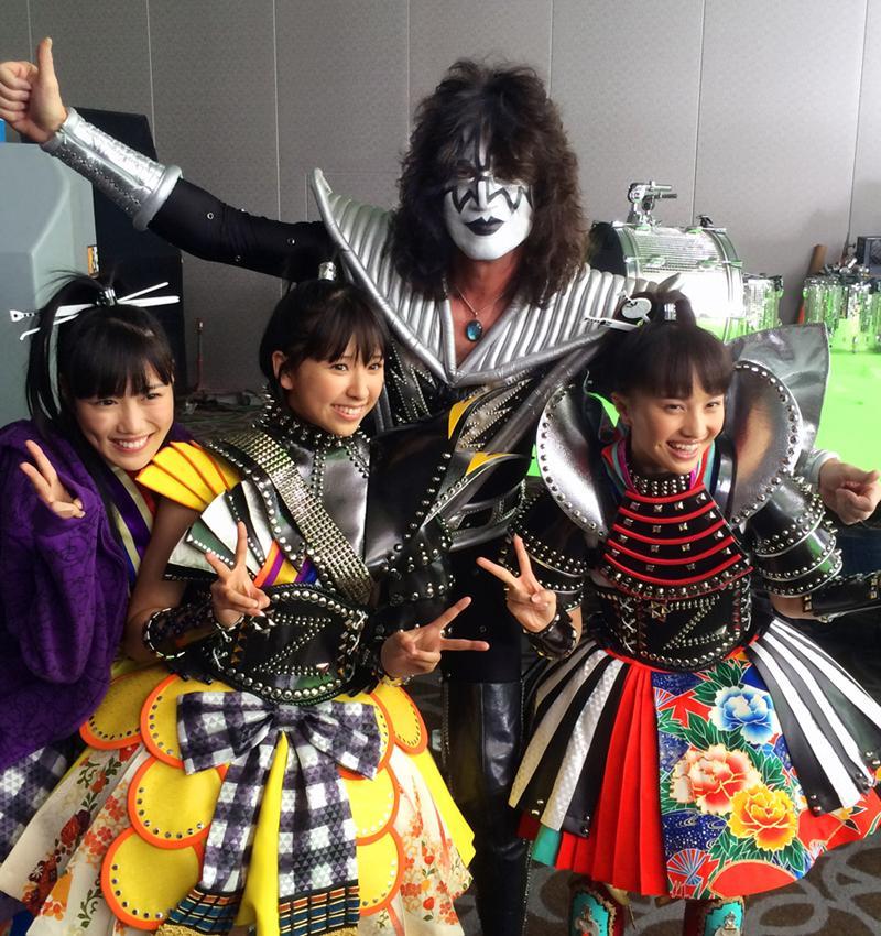 With Momoiro Clover Z #momoclo, Reni, Shiori & Kanako in Las Vegas. http://t.co/8rI6d2nJDg