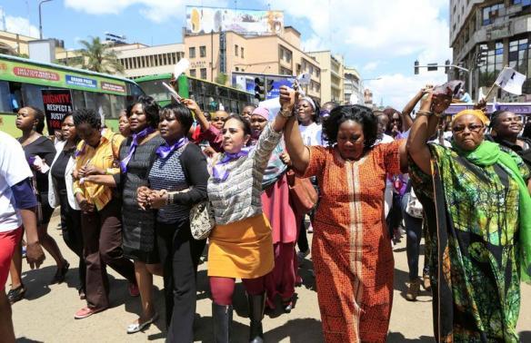 #Women in #Kenya protest #attacks on women wearing #miniskirts  http://t.co/f7gtrbNWNt http://t.co/BHDrFHLbtp