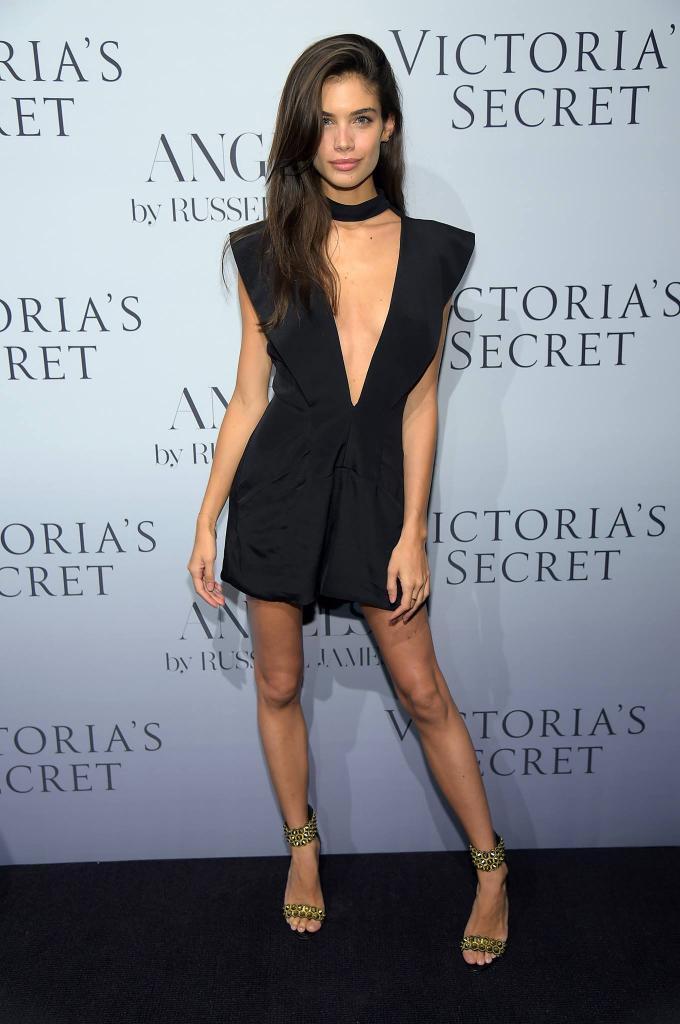 Victoria's secret model snaps back at sassy body image critics ...
