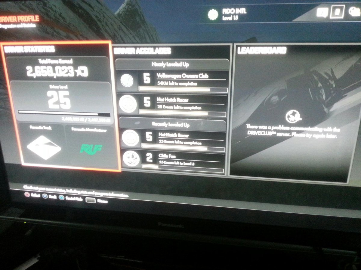 6 weeks after launch and online communication still doesn't work in #driveclub Stay away from this game! #ps4 http://t.co/ZofjvzD8Js
