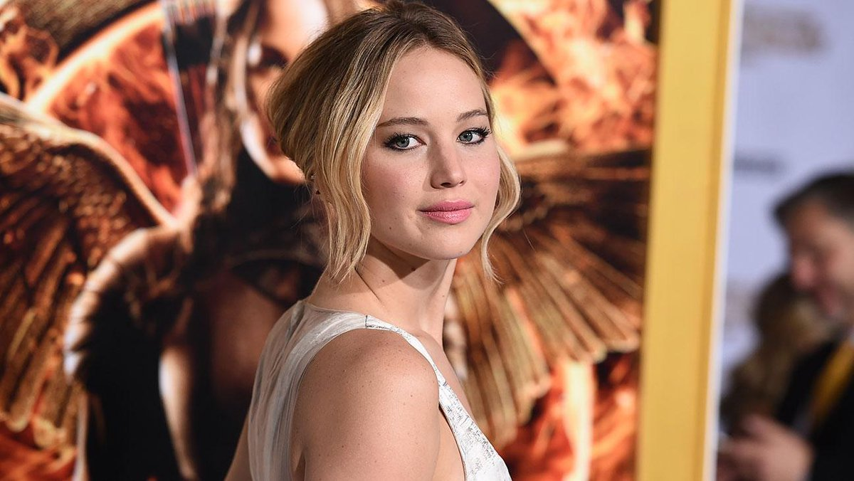 Here's a familiar face at 'The Hunger Games: Mockingjay - Part 1' premiere