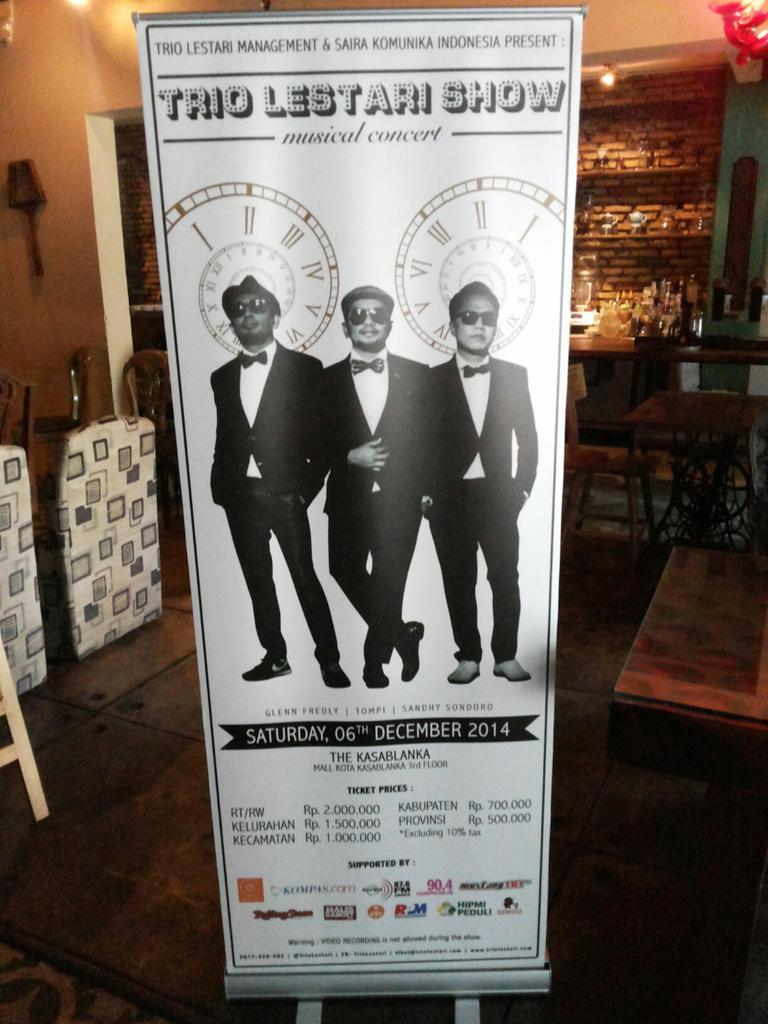 Trio Lestari Show Musical Concert. 6 Dec @ Kota Kasablanka. Tickets are available @ Sinou :) @TrioLestari http://t.co/UFYOwpYWO0