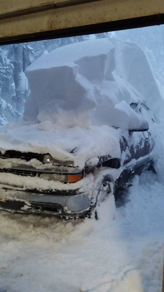 Uh. Wow. Alden, NY. Posted by Shannon L Roetzer to @Wgrz FB page. #LakeEffect http://t.co/odyCcxFTcL