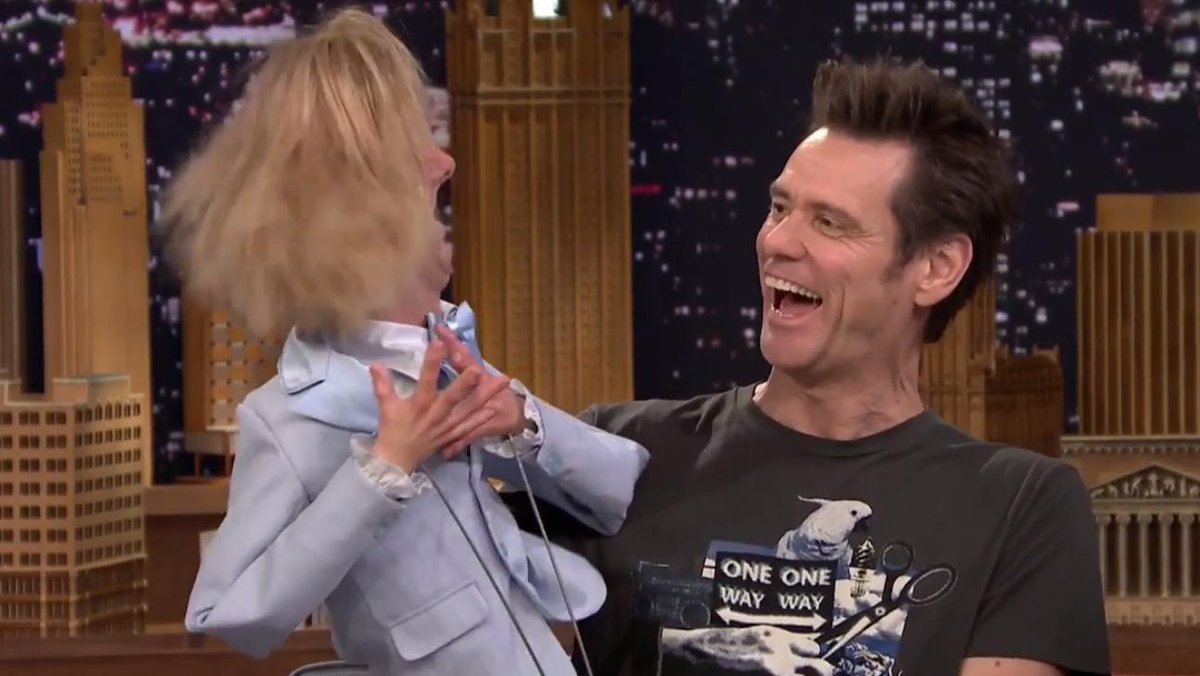 Watch Ventriloquist Jim Carrey Serenade His Jeff Daniels Puppet