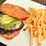 Our Grilled #Portobello Panini sandwich appeals to vegetarians and meat-lovers alike! #lunch #DC http://t.co/ql2BATC1RT