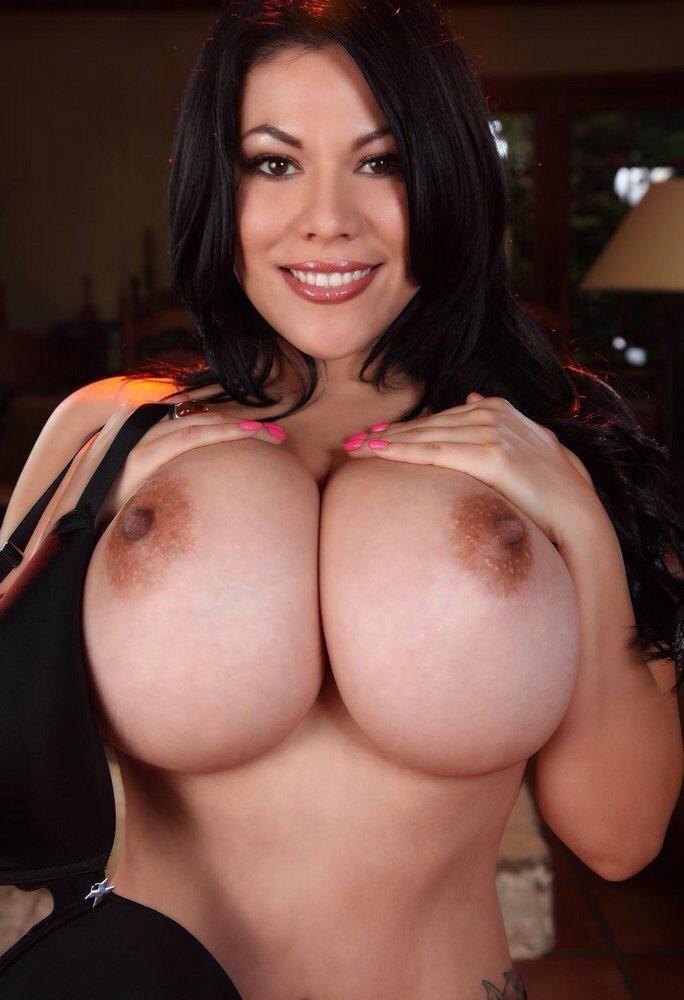 big tits foto