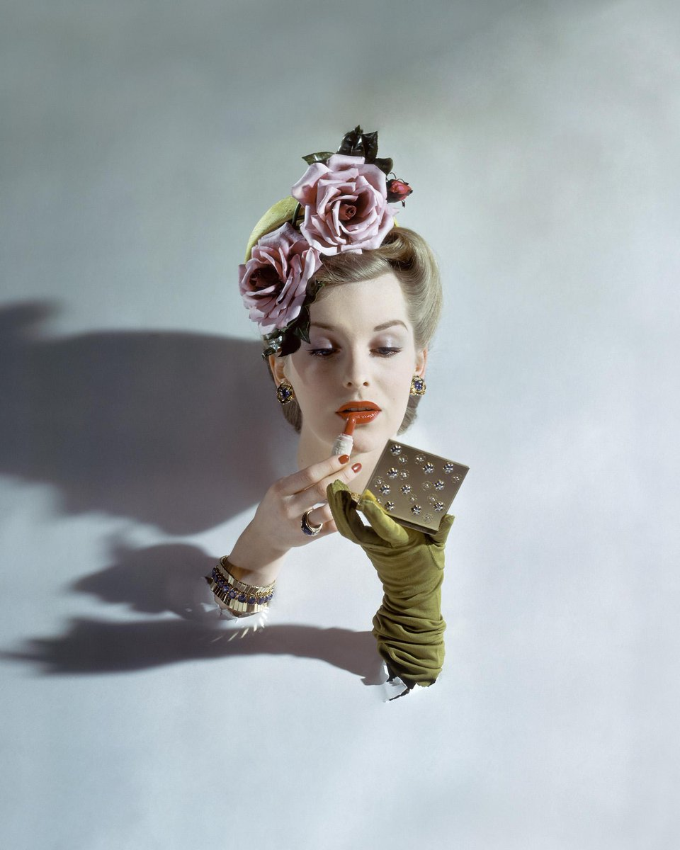 11/20: Explore the history of #fashion photography through the Condé Nast collection.  http://t.co/A0UUIAHnOy #wpb http://t.co/gWWYMqQpcP