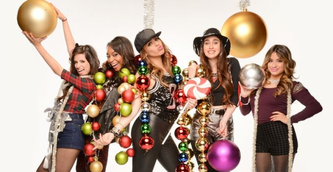 "Evenpro  (@Evenpro): ¿Ya escuchaste la versión de ""All I Want for Christmas is You"" de Fifth Harmony? >>> http://t.co/HjpOluLzM7 <<< http://t.co/29yyp2pY02"