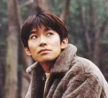 西島秀俊が結婚した今、最後の40代独身男性の砦は草野マサムネです!!! http://t.co/Slazy6BoKv