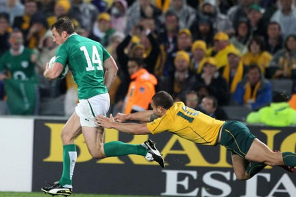 WIN: Premium Level tickets to a SOLD OUT @IrishRugby v Australia! RT and follow to enter!T&C's:http://t.co/c0ykZ4OSiH http://t.co/utIt6Uv2ng