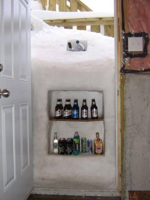 "That's the right attitude! MT @SteveSaleeba: Yes! ""@zackgreenwx: When life gives you lemons! #BuffaloSnow http://t.co/iufSNicjRM"""