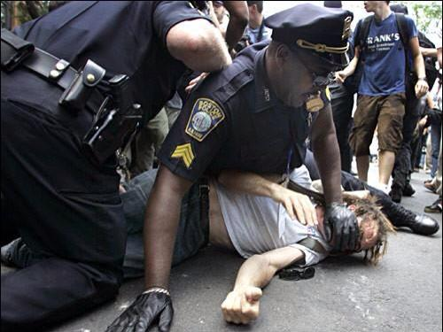THERE IT IS!!!!! @ConservCityGirl: Oh?  Wait!  What?  No!  My eyes must be playing tricks! http://t.co/4LMYfeyGvB #EricGarner #DarrenWilson