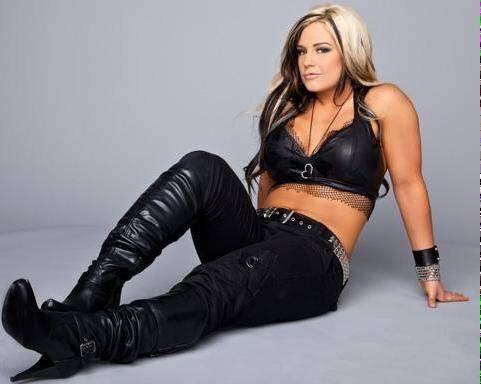 I miss when Seth Rollins was a woman. http://t.co/2U4wvOz3fo