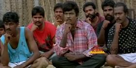 இன்னைக்கி சிலுக்கு பொறந்தநாளாம்.  @kryes TL முன்னால waiting :)) http://t.co/AAbjliS4HA