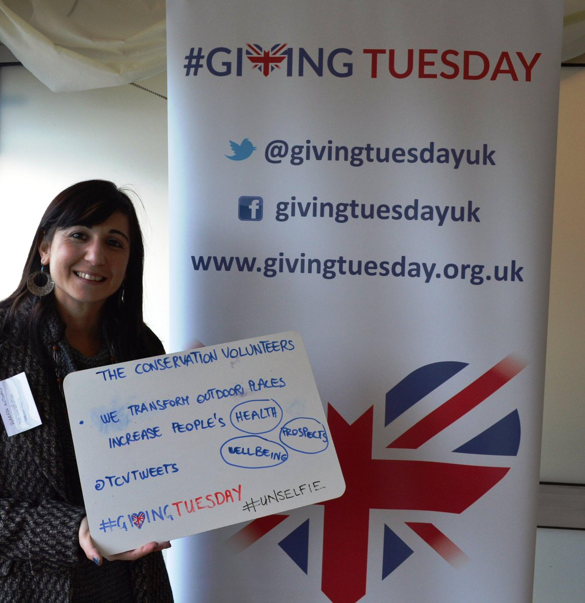 #GivingTuesday #unselfie Donate £10 by texting XMAS to 70444 or join us for an event near you http://t.co/Cg2d7Ur0ui http://t.co/YOHyekJYWi
