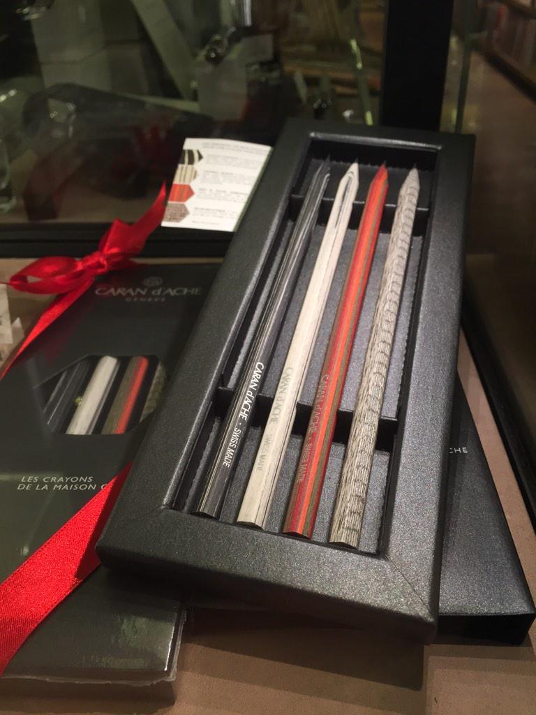カランダッシュのペンシルの新しい限定セットも入りました!! (つ) http://t.co/UiqYH1JRqO