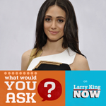 Welcoming @Sho_Shameless star @EmmyRossum to the studio to talk about new film @CometTheMovie & #Shameless.Questions?