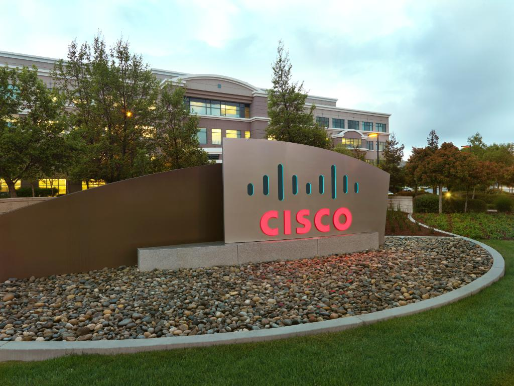 In 1984, computer technologists Leonard Bosack and Sandy Lerner founded Cisco. #Cisco30 http://t.co/NB4sTQj7yw