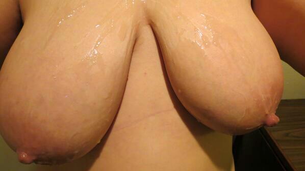 """#TittyTuesday #TitsOutTuesday #CumOnTits #SelfExploitedSlut """": : Teedra's"""