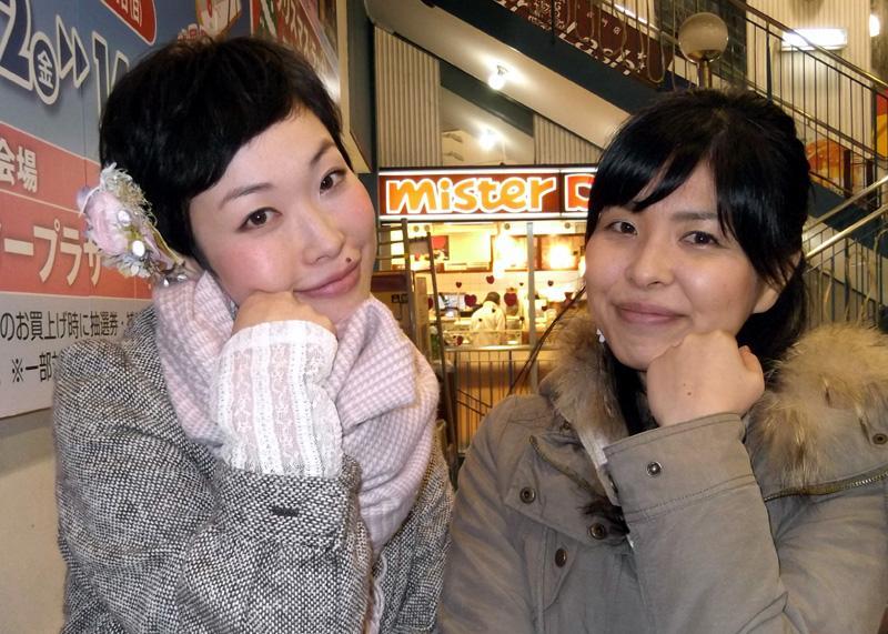 京橋エイトストリート LiLieHa ライブ後に LiLieHa ポーズ http://t.co/S7VtVk3FUS
