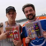RT @CollectDST: Share this photo of @JayMewes and @ThatKevinSmith and be entered to win a set of Bluntman + Chronic Retro figures! http://t…