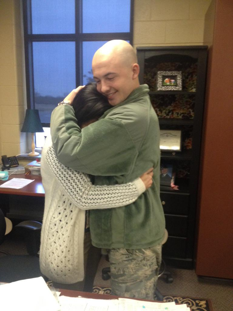 Ashley Kringen (@Ashleykringen): Airman surprises his mom at work in Yukon. Comes home early for the Holidays. Lots of tears here. Story at 6 @kfor http://t.co/BLQzLsJAq0