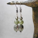 Green Garnet/Pyrite/Sterling Earrings http://t.co/0PEdb4WGVs ~Elegant ethnic style~ #jewelryonetsy #LPRO @ForetTwo http://t.co/9WLQ6JJaAa