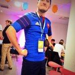"""Mr @Eeliottt est lâché au milieu des participants #swtln #GSB2014 """"viens on fait la mêlée"""" http://t.co/welrofef6H"""