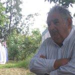 """""""#Ayotzinapa es un problema de la humanidad"""": José Mujica, Pdte. de Uruguay en #EntrevistaFAL http://t.co/23U0jcFpgo http://t.co/plgws2Bk4H"""