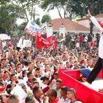 @NicolasMaduro ¡Qué extraordinaria demostración de fuerza moral y organizativa dan los estudiantes universitarios! http://t.co/NB6A3Rzl3V