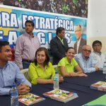 Ya en la inauguración del CRC Coordinadora Estratégica Correa - Glas en #Guayaquil. @35PAIS_Guayas http://t.co/dIu70GH0qX