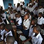 ¡Me encantan las matemáticas!, exclama Angela de 13 años que junto a 100 niños escaparon de la violencia en el Congo. http://t.co/c1OUhOJtAx