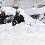 Búfalo padece bajo cerca de dos metros de nieve, en Nueva York: http://t.co/RWfeVk0CZm http://t.co/nJQxQ6pEza