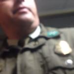 VIDEO: Hombre registra en video agresión de carabinero en sala de espera de Hospital de Temuco http://t.co/XYsLhni7vG http://t.co/T07SUi9cxY