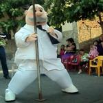Las increíbles confesiones de un ex muñeco bailarín de Doctor Simi http://t.co/F9Eq0WNZ96 http://t.co/MpwhAatnfp