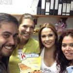 Después de una merendar unas @kseritas con María Laura García de @atusalud_medios y @opinango the Big Boss. http://t.co/SymPbT0mjE