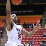 Warhawks come out on FIRE!!! @ULM_MBB leads 8th ranked @GatorZoneNews, 29-27 at the half. #TalonsOut http://t.co/dyfcsbDIEH