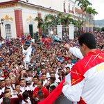 TA´DICHO @NicolasMaduro ¡Asumo el compromiso! Año 2015 arranca el plan especial de residencias estudiantiles. http://t.co/C443rr1Qfg