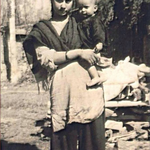 RT @PawanDurani: Here is elder brother @AnupamPkher as a baby in his mothers lap ... What a picture !