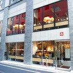 複合飲食店「宮益バール&ダイン」渋谷に本日オープン - カフェ&バーからディナーのフルサービスまで http://t.co/6nquke2fyj http://t.co/BAXTShfjMX