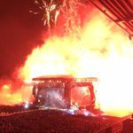 The #rollingstones were AMAZING - in this photo it looks like the stage is on fire http://t.co/Y5eOALddw3