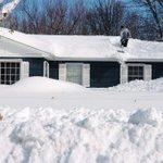 Roof collapse the new threat as snow piles up in New York http://t.co/9evZTXaFEG http://t.co/zM4B3vSjWE