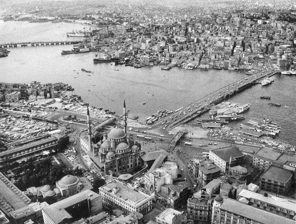 Gökyüzünden Eminönü ve Haliç (1969) #istanbul http://t.co/67Q7iLsprt