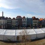 Rond 13u00 komt #Sinterklaas aan in #Vlissingen. Kijk live mee: http://t.co/qxqapxnLAS http://t.co/JawIMCZM0P