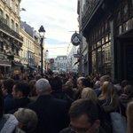 Les groupies de Hollande http://t.co/7XdQCzIdYX