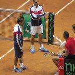 Clément en pleine discussion avec Gasquet et Tsonga ce matin à lentraînement. La paire de double semble choisie. http://t.co/2XcFkHlfFz